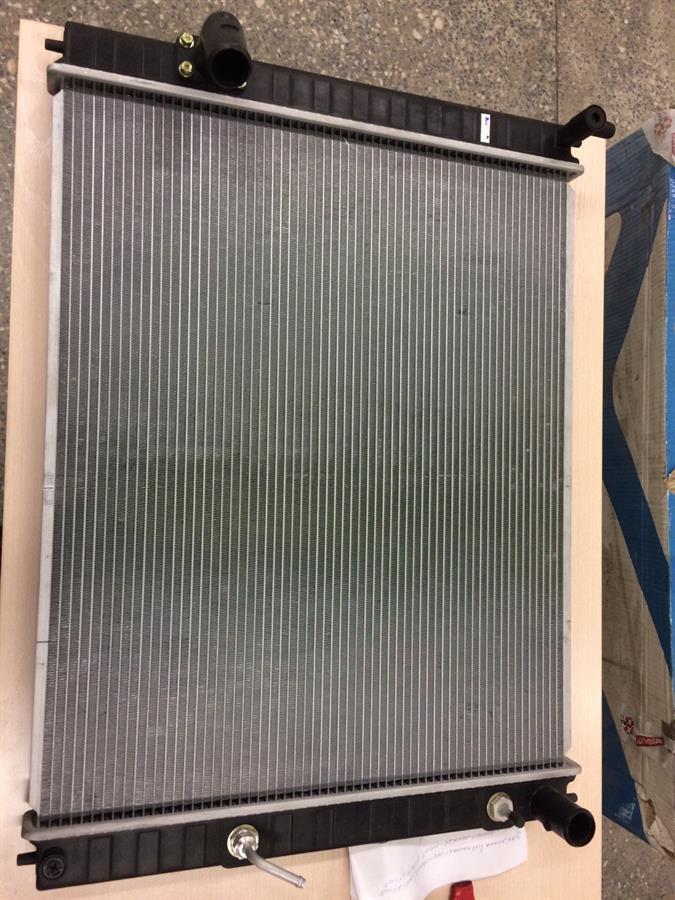 радіатор охолодження двигуна  PL022210