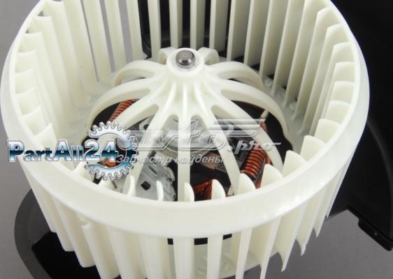двигун вентилятора пічки (обігрівача салону)  4L1820021B