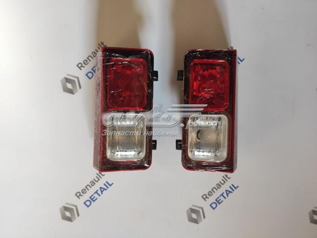 Купить ліхтар заднього ходу лівий на Renault Trafic