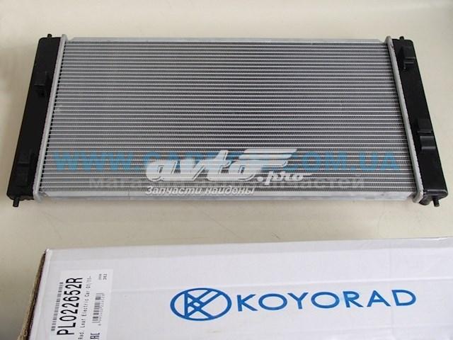 радіатор охолодження двигуна  PL022652R